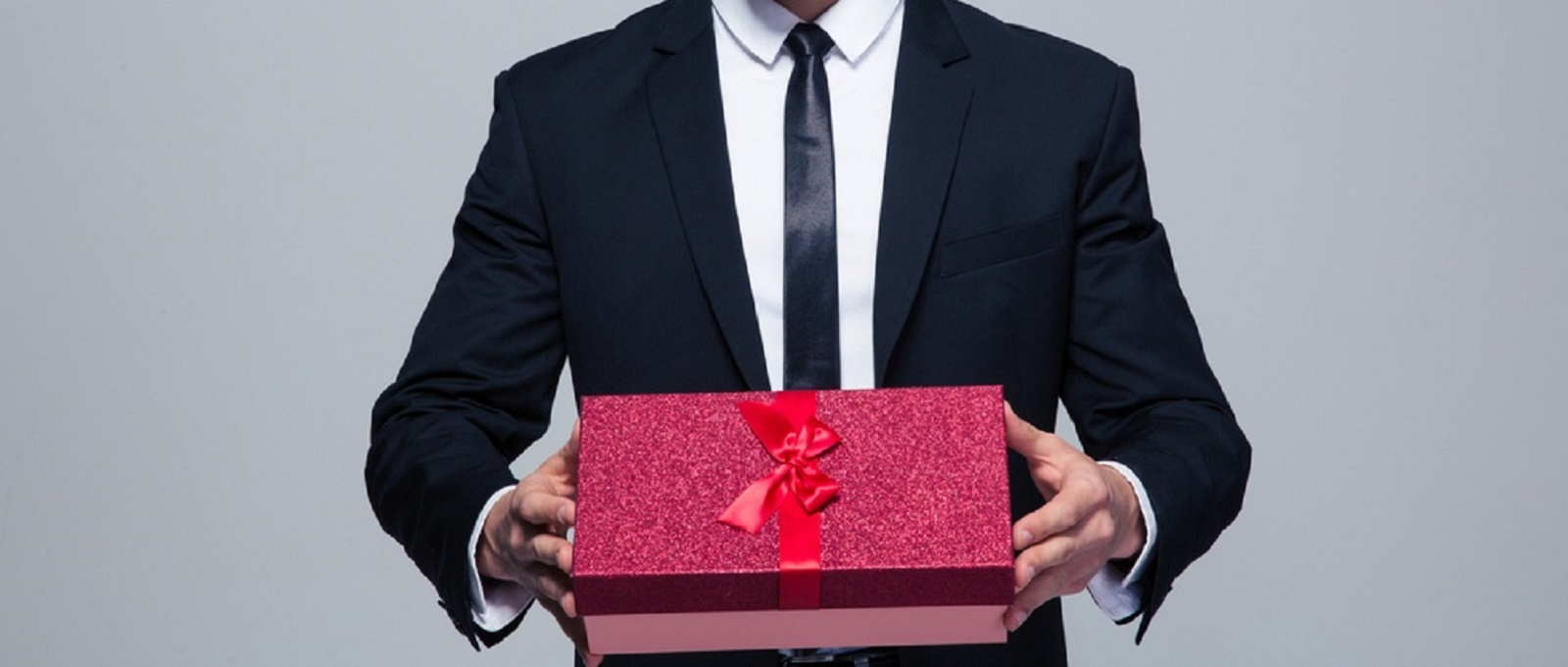 The Hottest Corporate Product Gifts of 2017